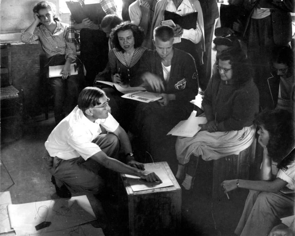 Josef Albers's color-theory class at Black Mountain College. Courtesy Western Regional Archives, State Archives of North Carolina, Asheville, NC.