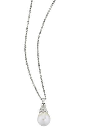Pearl pendant in 14k white gold and diamonds