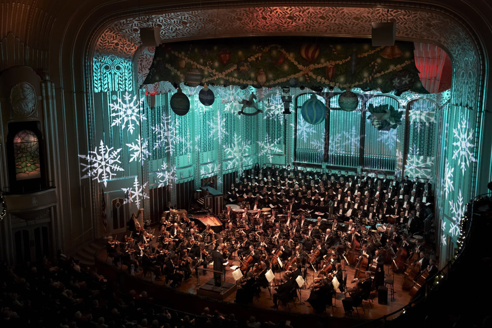 Brett Mitchell leads The Cleveland Orchestra and Choruses in their 2016 Christmas Concerts. (Photo by Roger Mastroianni)