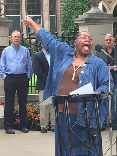 Rev. Denise Walker, Everlasting Light Ministries, at the #FirestormMN rally, 9.9.15