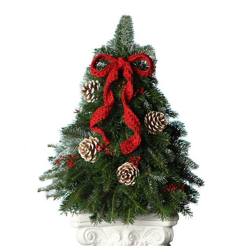 crochet bow tabletop christmas tree - Table Top Christmas Trees