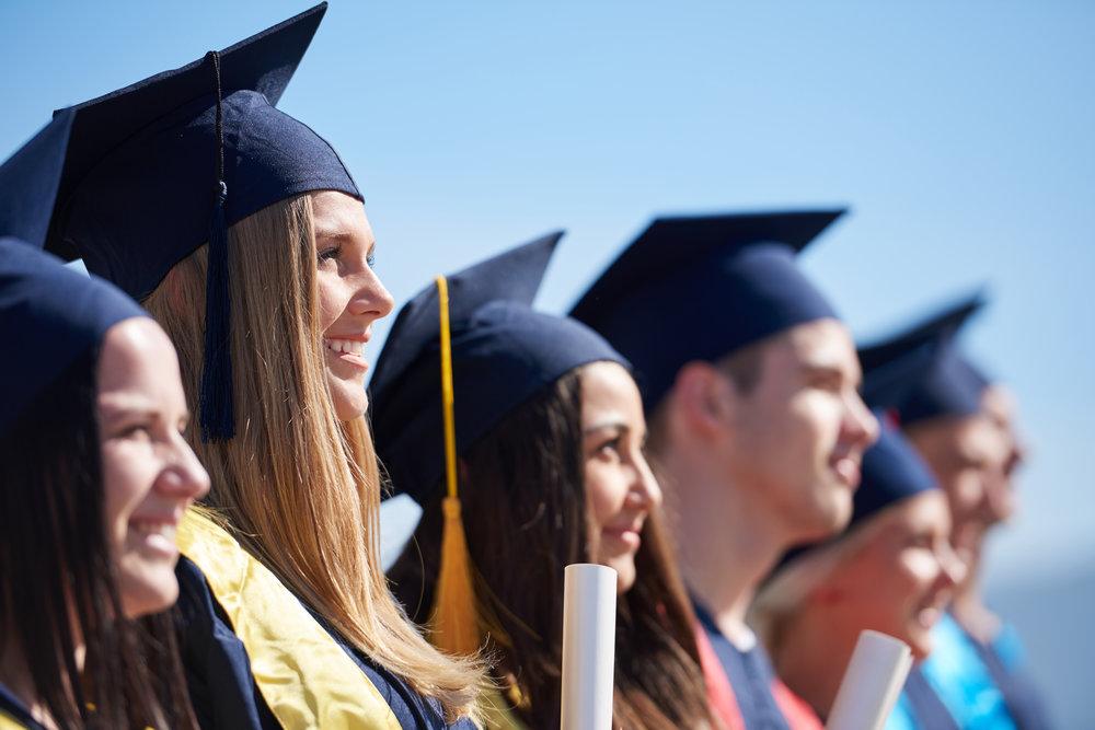Graduates Fotolia_89159895_XXL.jpg