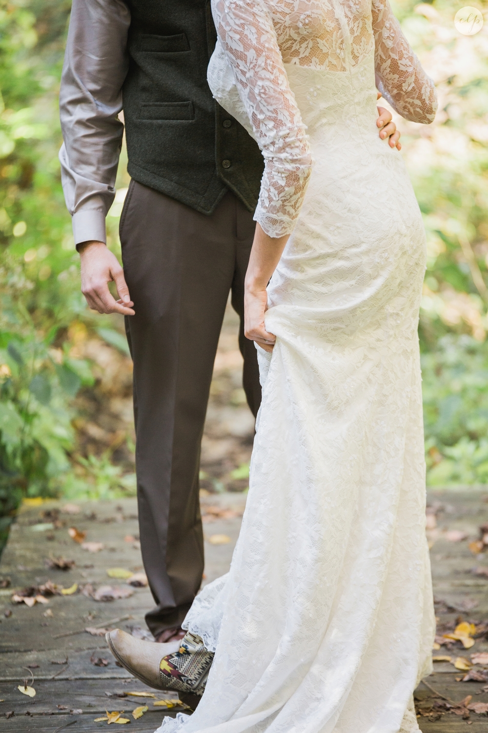 Outdoor-Wedding-in-the-Woods-Photography_4206.jpg