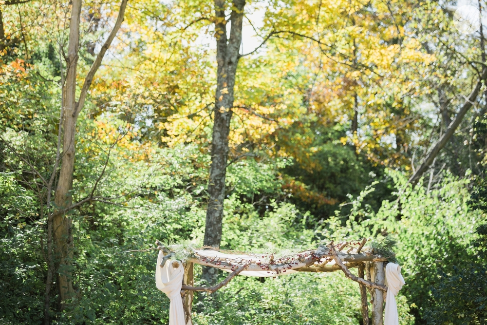 Outdoor-Wedding-in-the-Woods-Photography_4236.jpg
