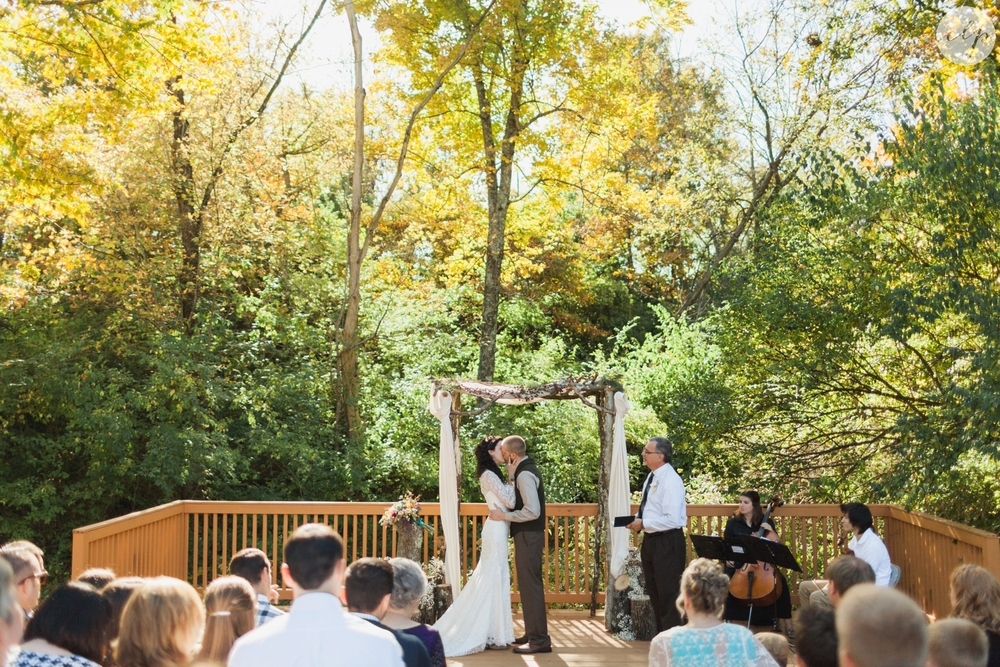Outdoor-Wedding-in-the-Woods-Photography_4257.jpg