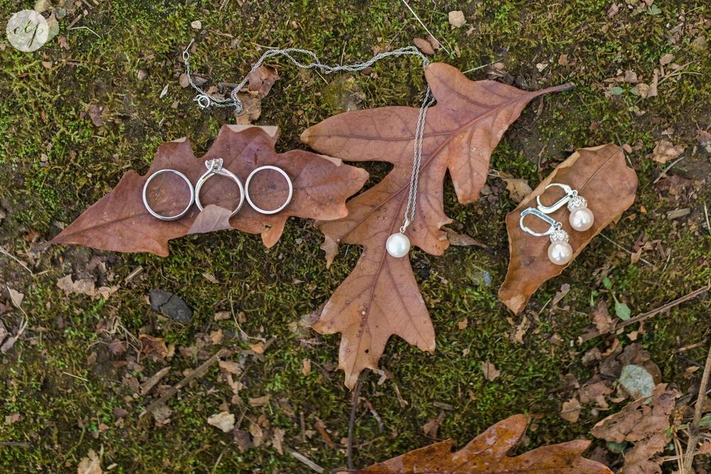 winter-barn-wedding-canopy-creek-farm-ohio_5292.jpg