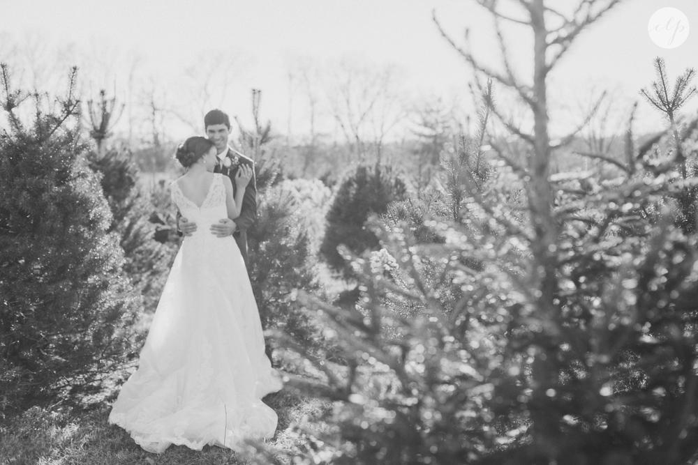 winter-barn-wedding-canopy-creek-farm-ohio_5360.jpg