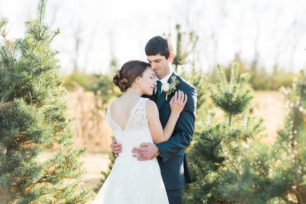winter-barn-wedding-canopy-creek-farm-ohio_5359.jpg