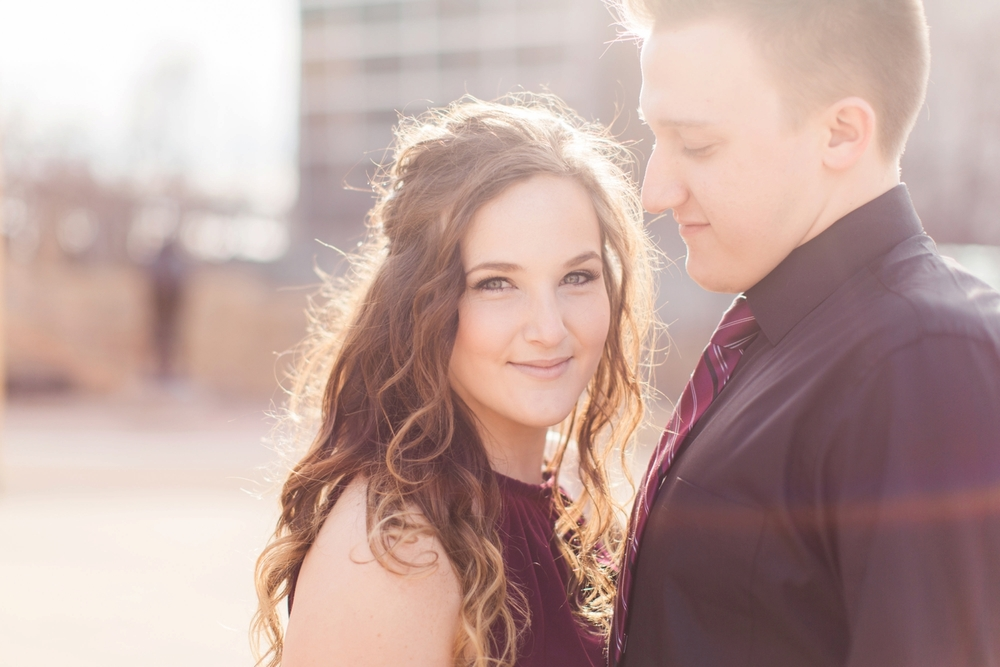 downtown-indianapolis-engagement-shoot_5960.jpg