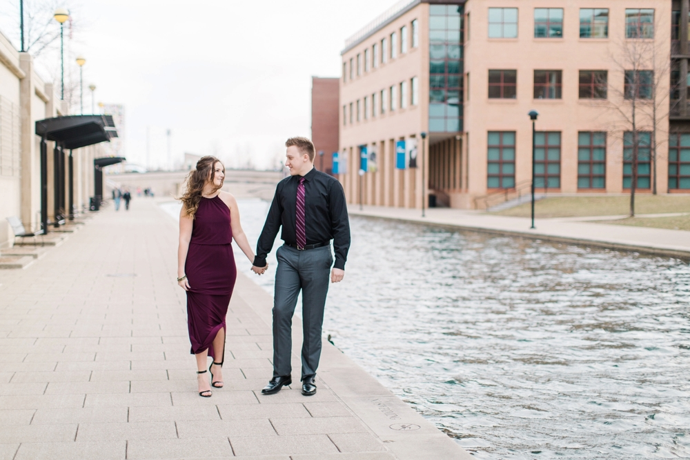 downtown-indianapolis-engagement-shoot_5962.jpg