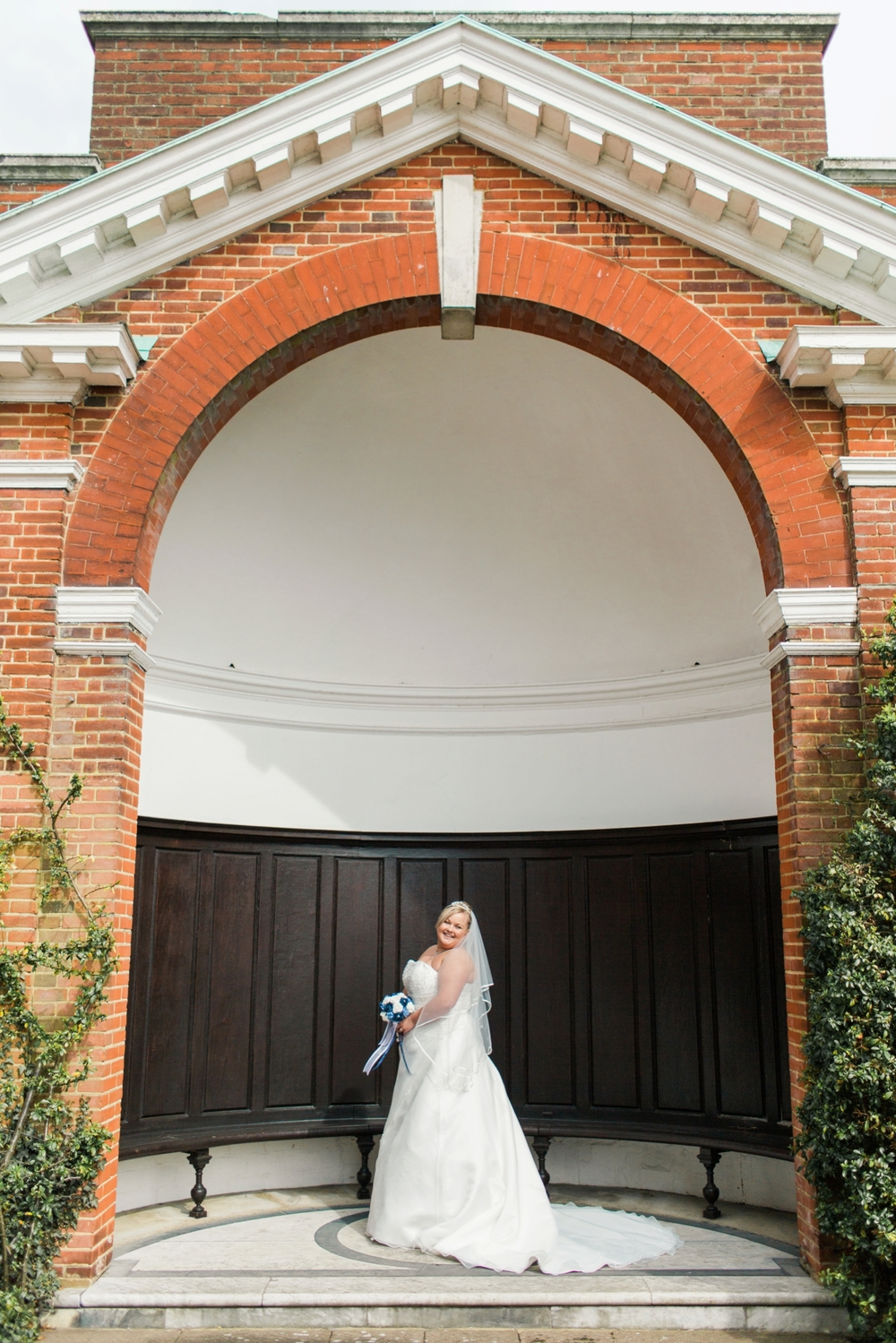 international-wedding-photographer-london-England-european-wedding-venue-chloe-luka-photography_6020.jpg