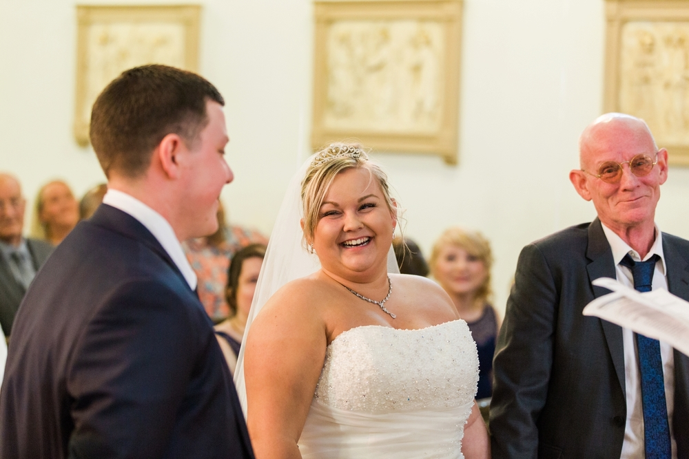 international-wedding-photographer-london-England-european-wedding-venue-chloe-luka-photography_6033.jpg