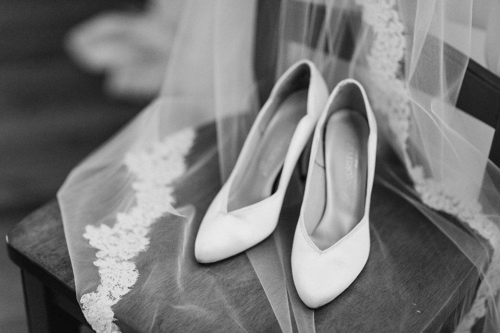 Barn-on-Maryland-Ridge-Indiana-Wedding-Photography-Chloe-Luka-Photography_7803.jpg