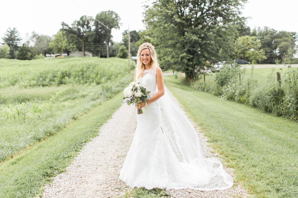 Barn-on-Maryland-Ridge-Indiana-Wedding-Photography-Chloe-Luka-Photography_7850.jpg