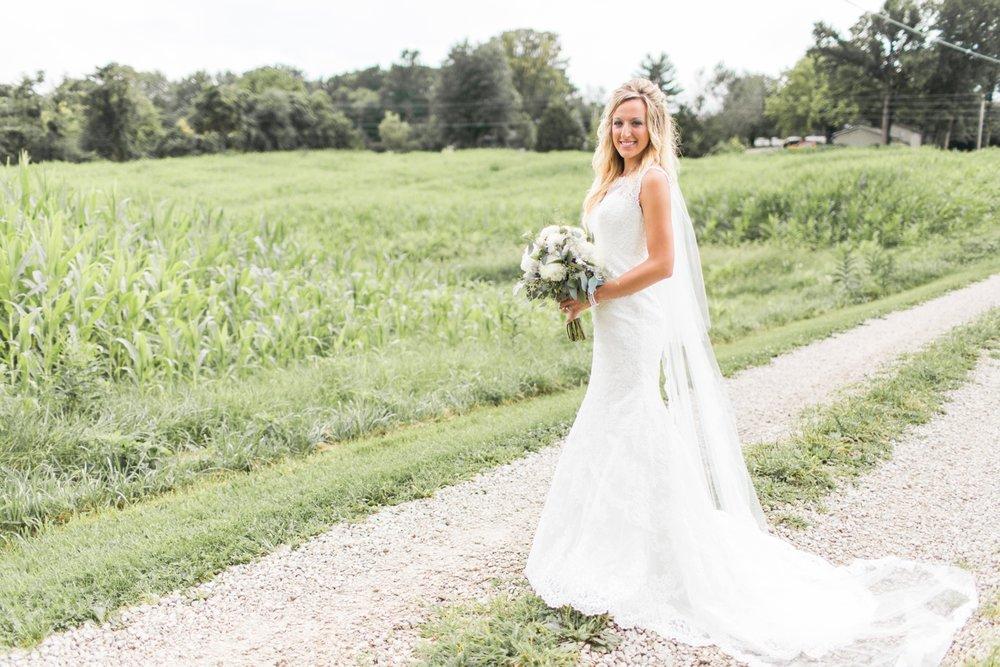 Barn-on-Maryland-Ridge-Indiana-Wedding-Photography-Chloe-Luka-Photography_7856.jpg