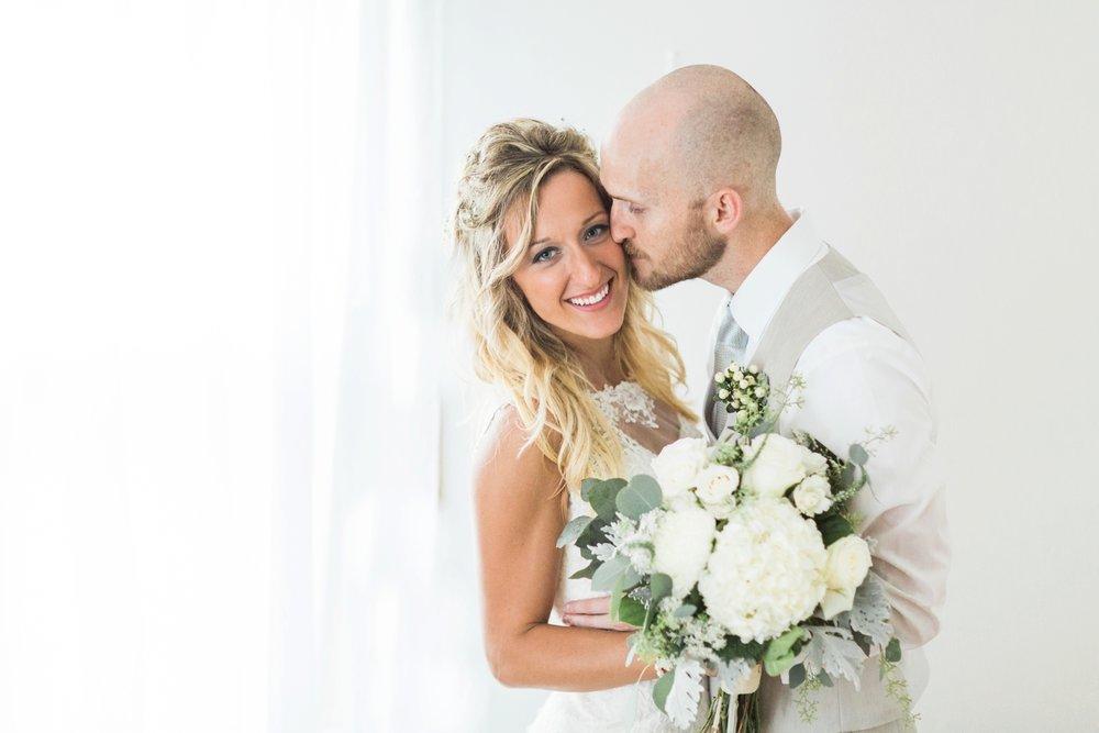 Barn-on-Maryland-Ridge-Indiana-Wedding-Photography-Chloe-Luka-Photography_7894.jpg