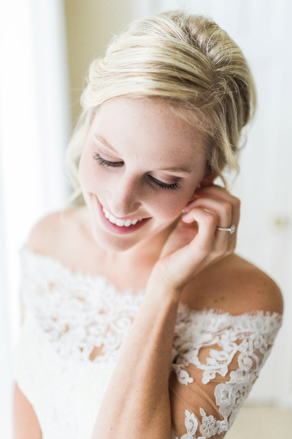 Joe-Katie-Stylish-Elegant-Blush-Gold-Fall-Indiana-Film-Wedding-Photographer_7960.jpg