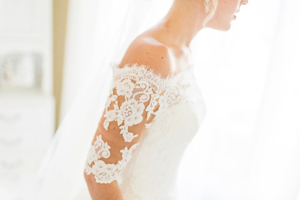 Joe-Katie-Stylish-Elegant-Blush-Gold-Fall-Indiana-Film-Wedding-Photographer_7964.jpg