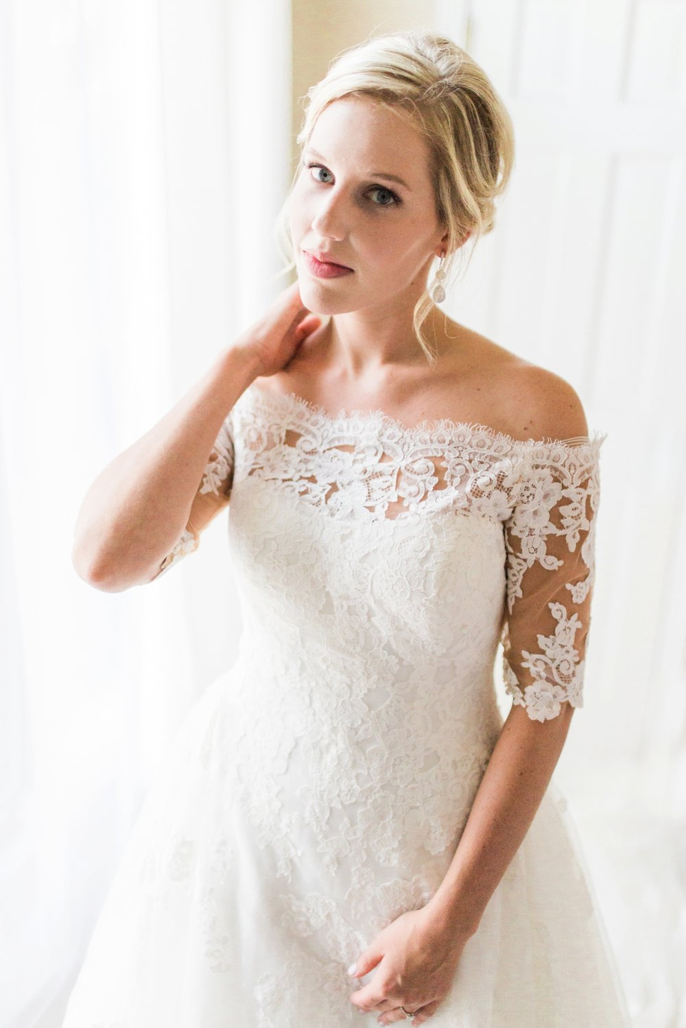 Joe-Katie-Stylish-Elegant-Blush-Gold-Fall-Indiana-Film-Wedding-Photographer_7971.jpg