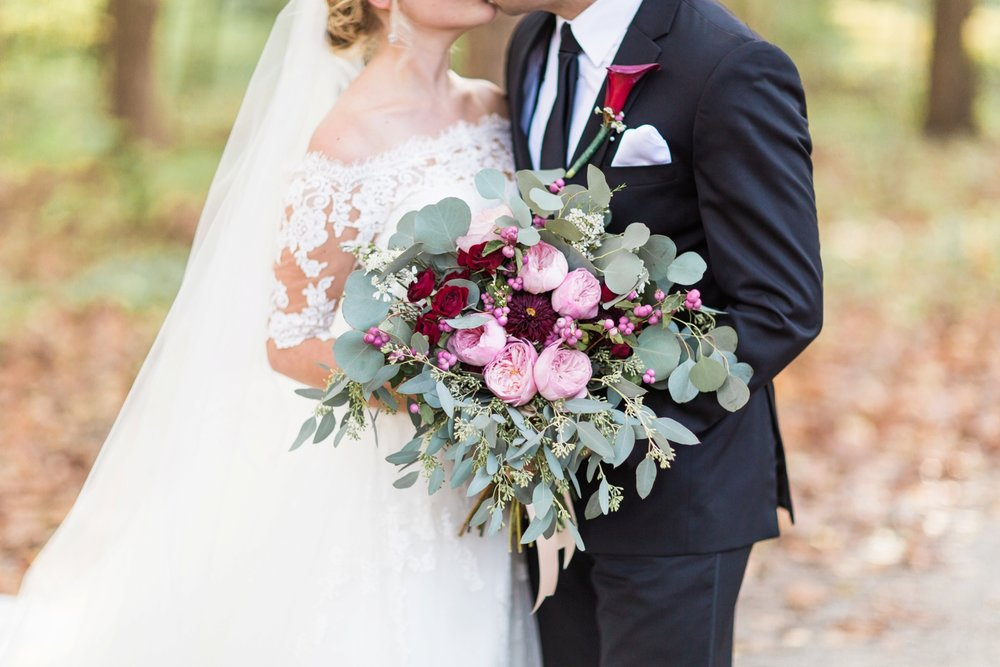 Joe-Katie-Stylish-Elegant-Blush-Gold-Fall-Indiana-Film-Wedding-Photographer_8051.jpg