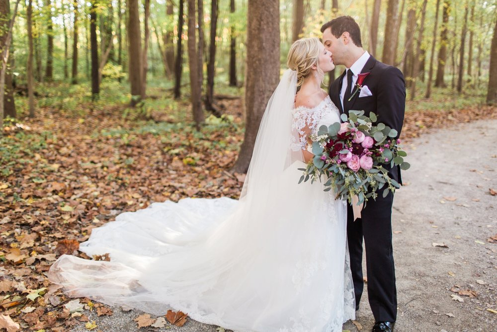 Joe-Katie-Stylish-Elegant-Blush-Gold-Fall-Indiana-Film-Wedding-Photographer_8053.jpg