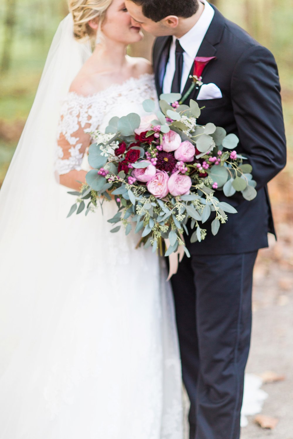 Joe-Katie-Stylish-Elegant-Blush-Gold-Fall-Indiana-Film-Wedding-Photographer_8056.jpg
