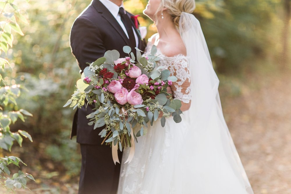 Joe-Katie-Stylish-Elegant-Blush-Gold-Fall-Indiana-Film-Wedding-Photographer_8101.jpg