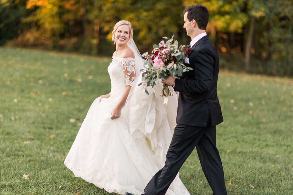 Joe-Katie-Stylish-Elegant-Blush-Gold-Fall-Indiana-Film-Wedding-Photographer_8105.jpg