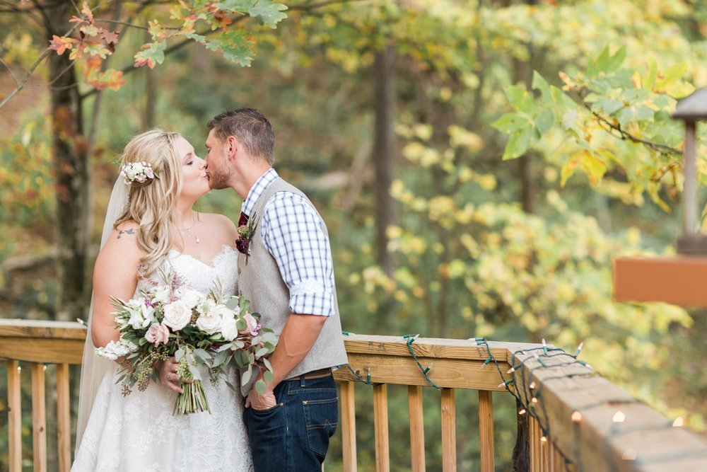 Jill-Rob-Outdoor-Fall-Ohio-Wedding-Photographer-Grand-Barn-at-the-Mohicans_8210.jpg