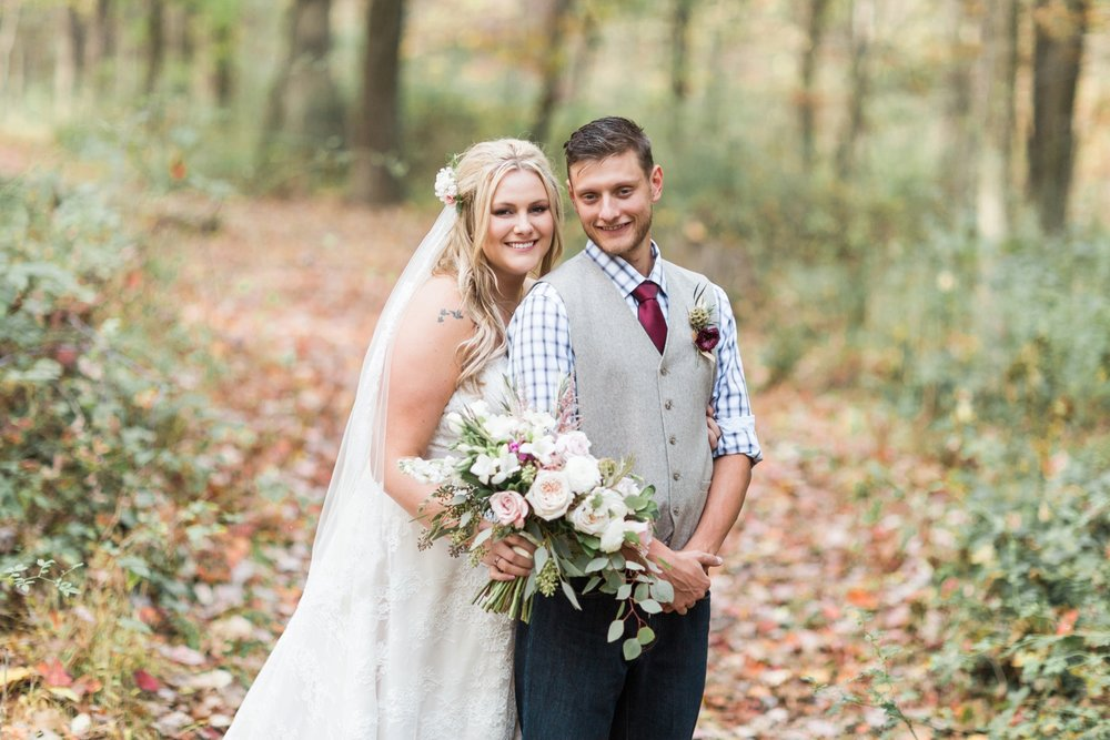 Jill-Rob-Outdoor-Fall-Ohio-Wedding-Photographer-Grand-Barn-at-the-Mohicans_8215.jpg