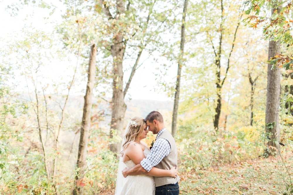 Jill-Rob-Outdoor-Fall-Ohio-Wedding-Photographer-Grand-Barn-at-the-Mohicans_8225.jpg