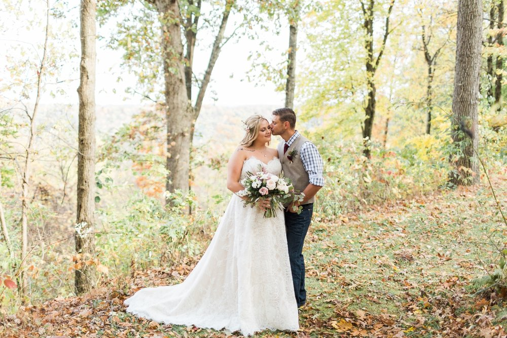 Jill-Rob-Outdoor-Fall-Ohio-Wedding-Photographer-Grand-Barn-at-the-Mohicans_8231.jpg
