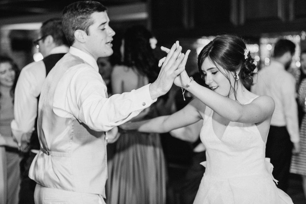 ivy-hills-country-club-weddings-cincinnati-ohio-chloe-luka-photography_9894.jpg