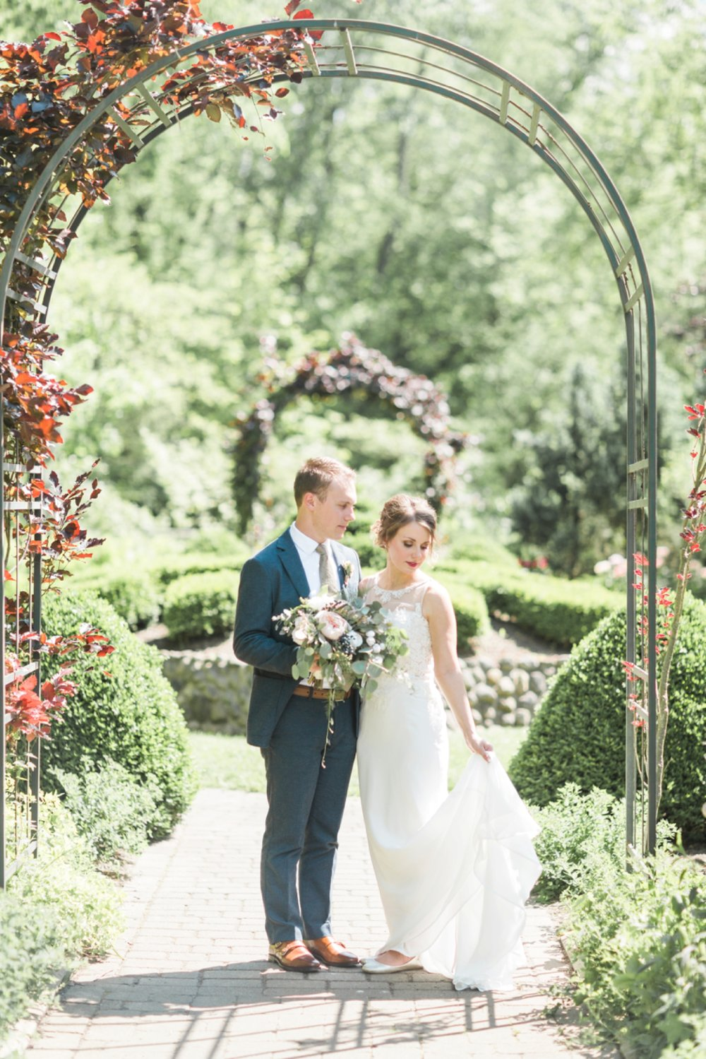 wegerzyn-gardens-wedding-dayton-ohio-chloe-luka-photography_0043.jpg