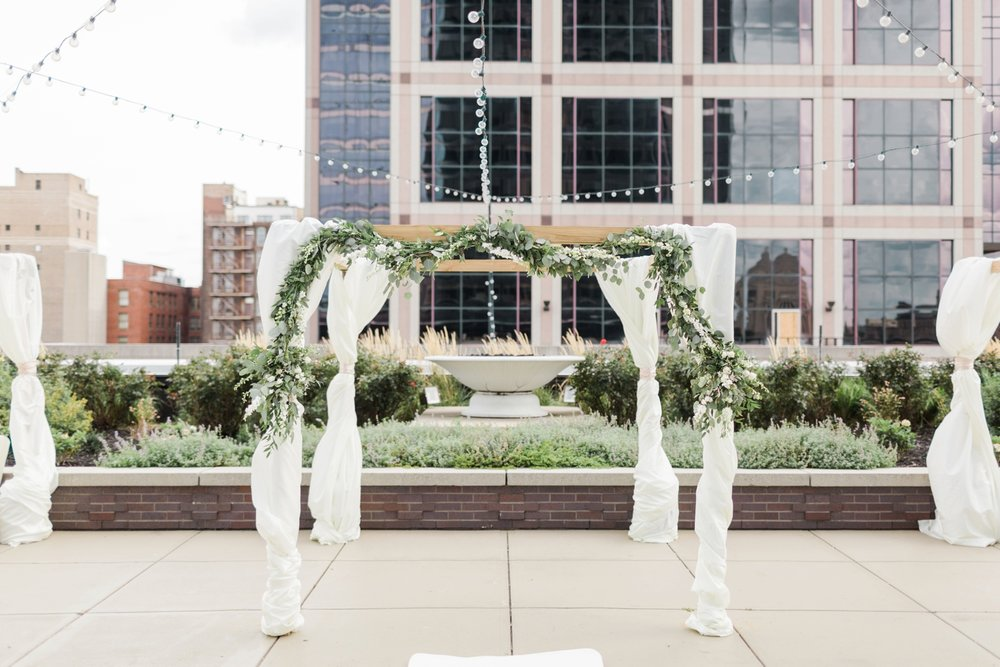 regions-tower-rooftop-wedding-downtown-indianapolis_0798.jpg