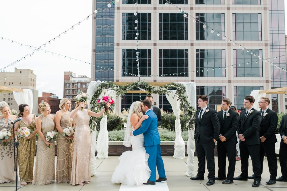 regions-tower-rooftop-wedding-downtown-indianapolis_0812.jpg