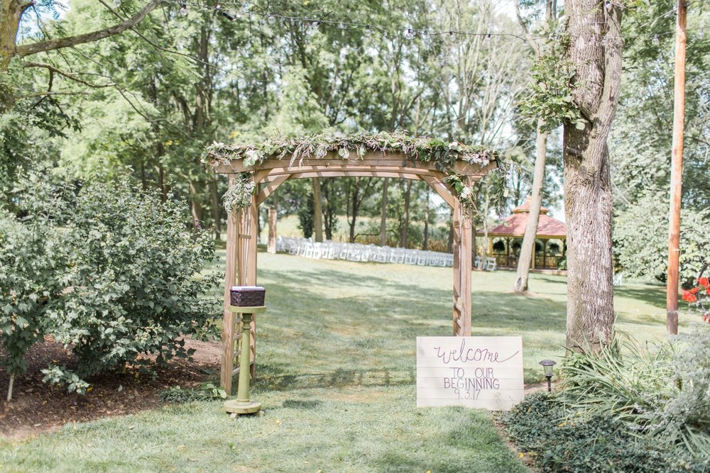outdoor-wedding-barn-at-the-meadows-ohio_1067.jpg