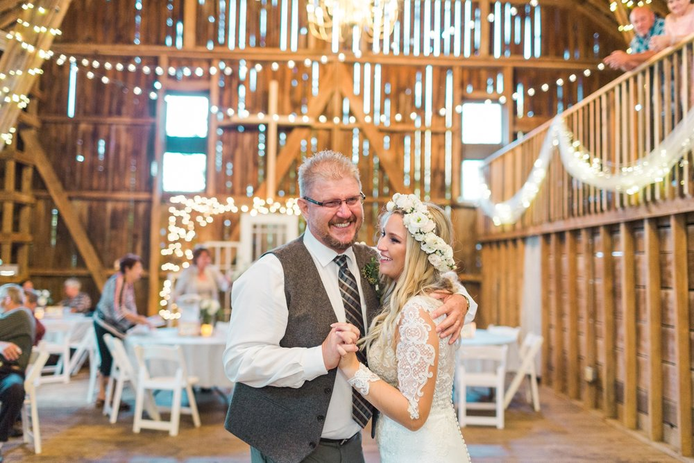 outdoor-wedding-barn-at-the-meadows-ohio_1182.jpg