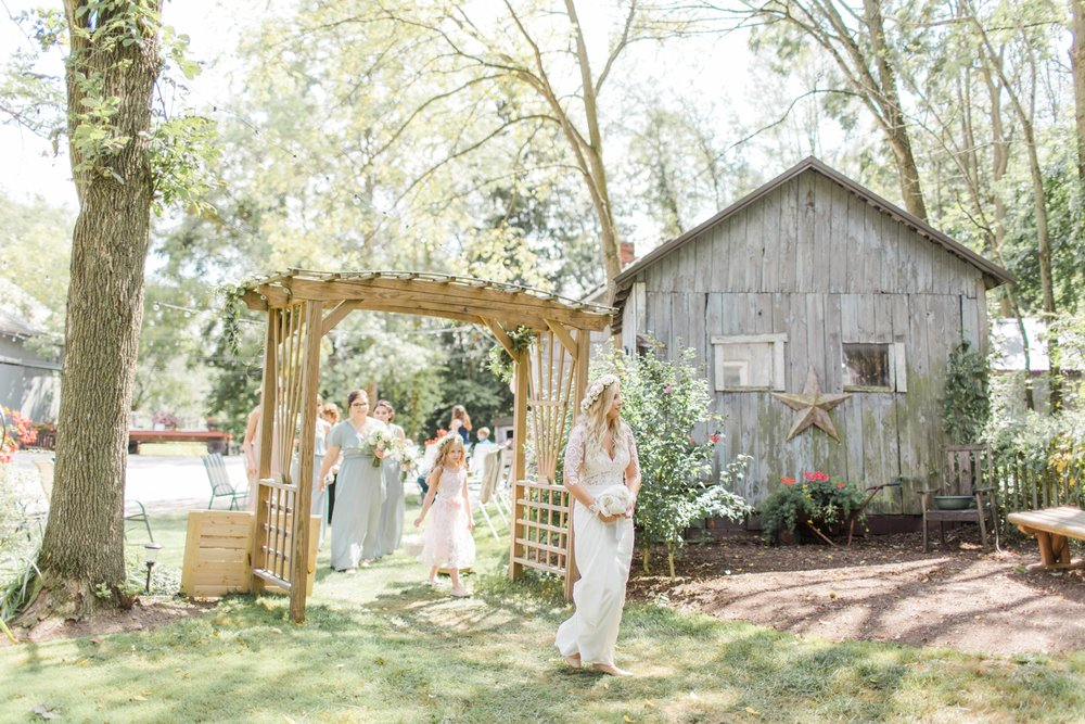 outdoor-wedding-barn-at-the-meadows-ohio_1192.jpg