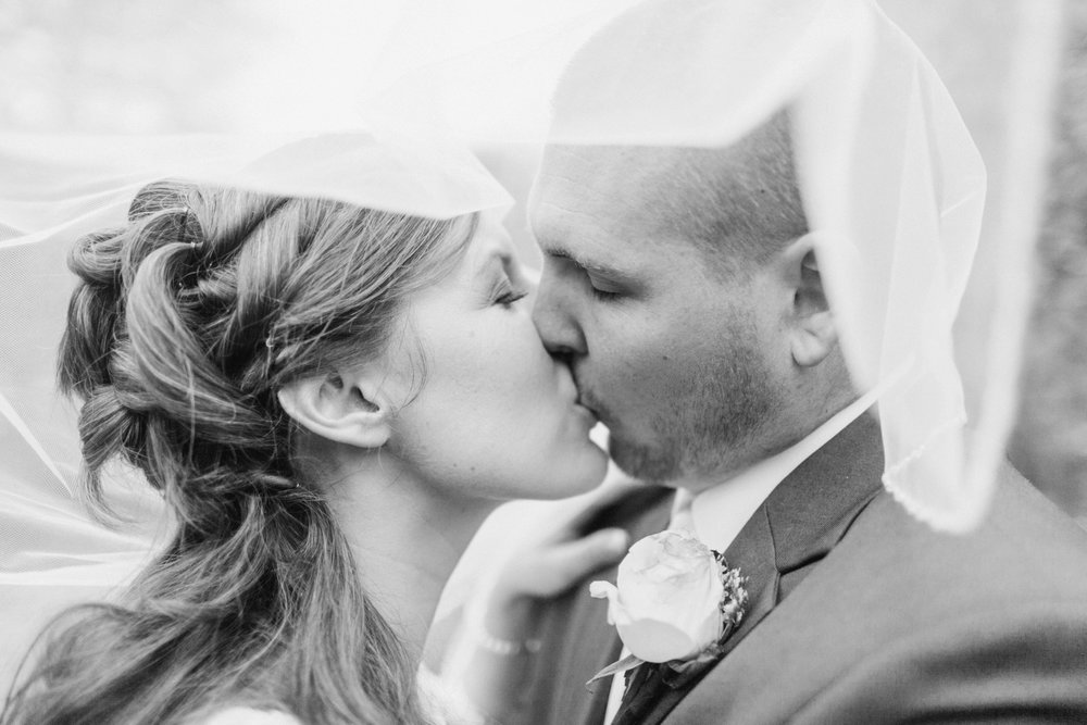 Upstate-New-York-destination-wedding-photographer_2107.jpg
