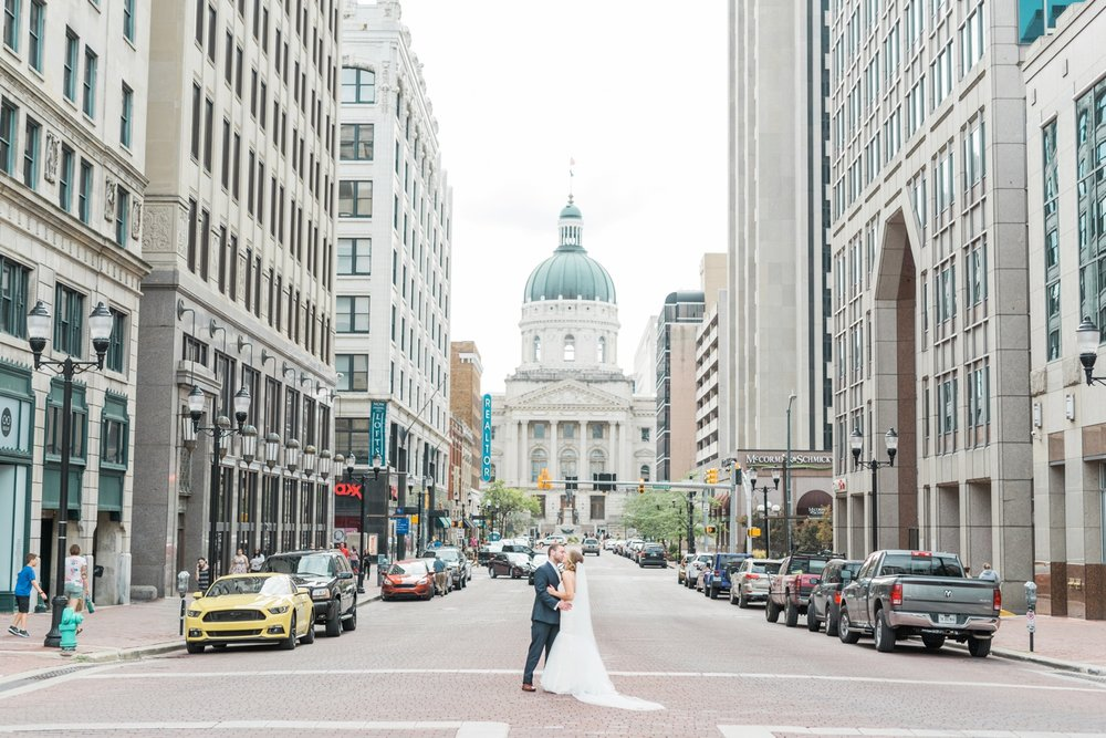 downtown-indianapolis-wedding-photographer_4223.jpg