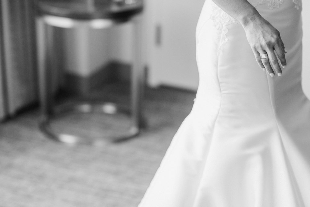 downtown-indianapolis-wedding-photographer-indiana-historical-society_4289.jpg