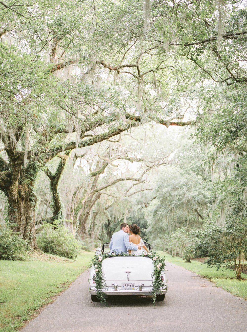 Charleston-South-Carolina-Beautiful-Film-Wedding-Photographer-Magnolia-Plantation-and-Gardens-Wedding-Photos_5153.jpg