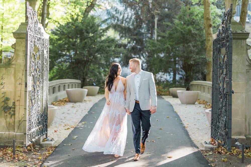 Indianapolis-Indiana-Engagement-Photographer-Newfields-Wedding-Photography_5231.jpg