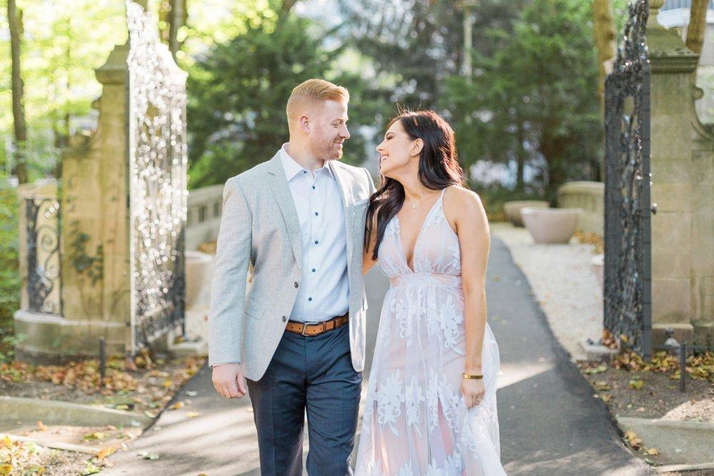 Indianapolis-Indiana-Engagement-Photographer-Newfields-Wedding-Photography_5233.jpg