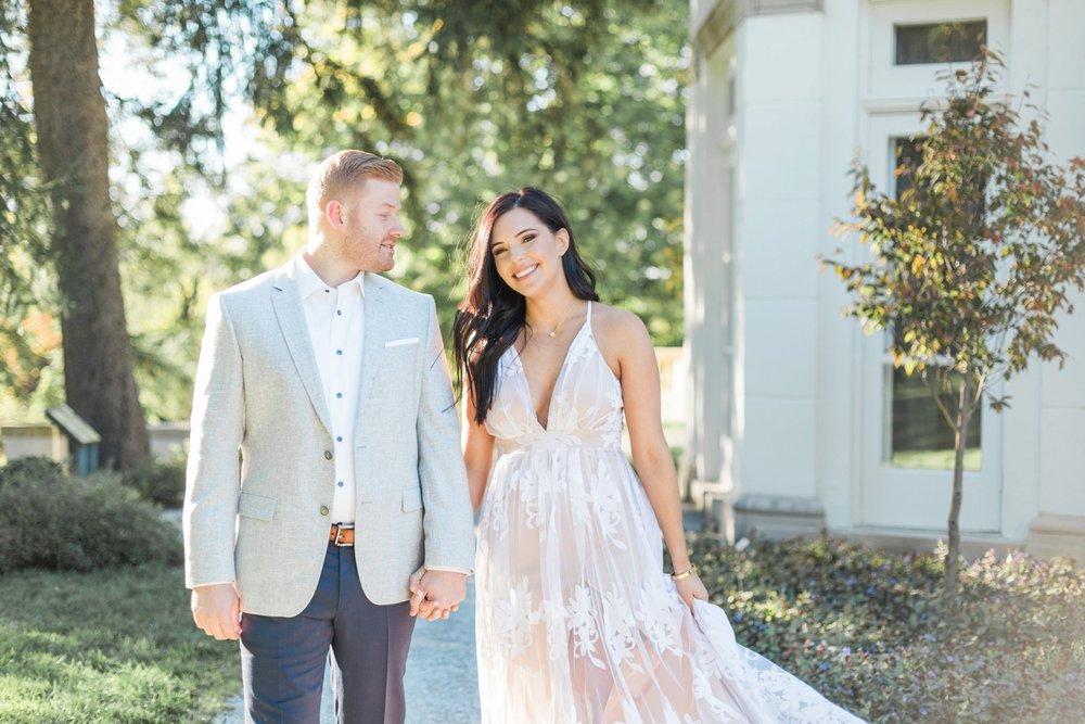 Indianapolis-Indiana-Engagement-Photographer-Newfields-Wedding-Photography_5236.jpg