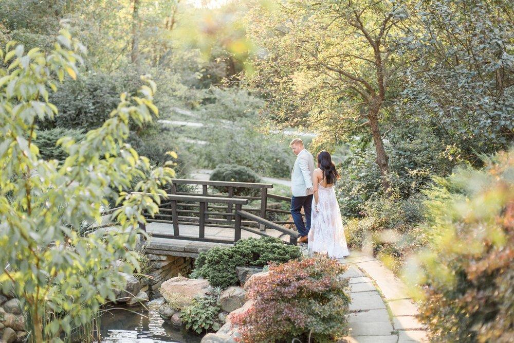 Indianapolis-Indiana-Engagement-Photographer-Newfields-Wedding-Photography_5260.jpg