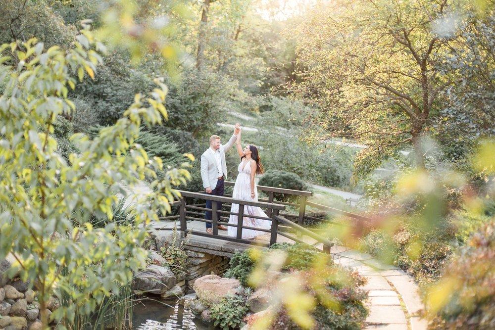 Indianapolis-Indiana-Engagement-Photographer-Newfields-Wedding-Photography_5262.jpg