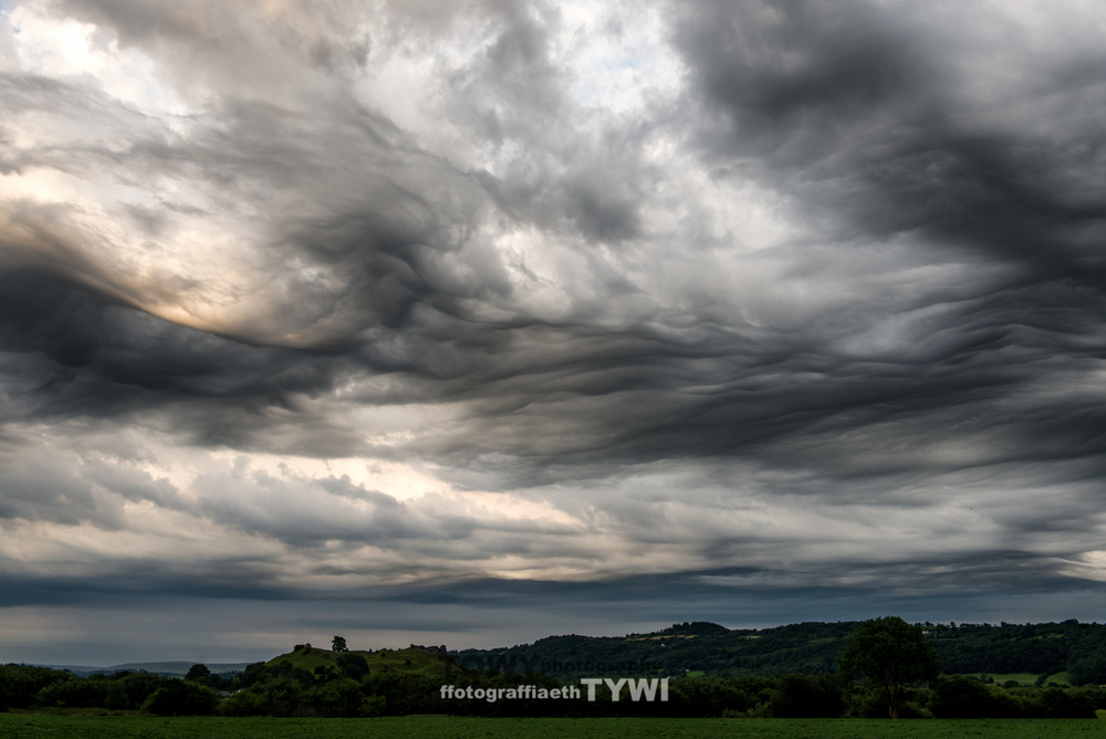 Fantastic Asperatus Clouds