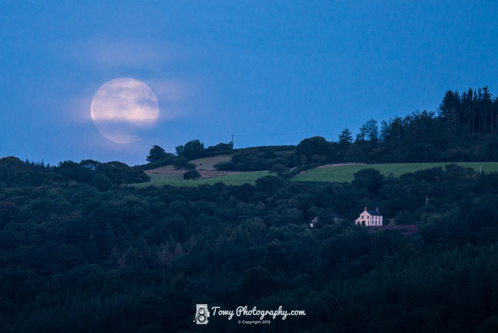 20150731_Landscape_Moon copy.jpg